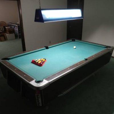 United Billard Vintage Pool Table